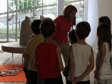 Family day Boulogne Billancourt Comedienne - visite guidée