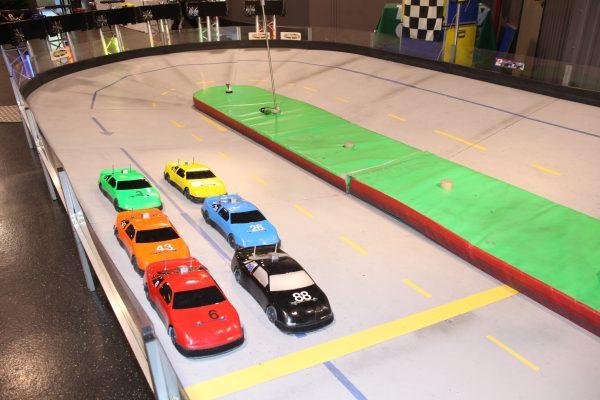 Animation circuit de voiture - événement entreprise Nanterre Paris