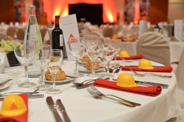 Organisation soirée entreprise - diner assis - Paris Caen Deauville