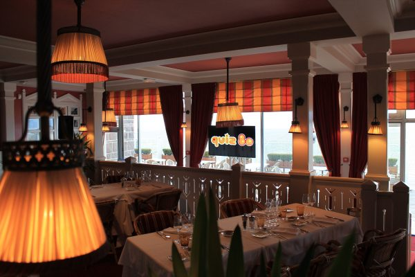 animation soirée entreprise - diner assis - Paris Caen Bayeux