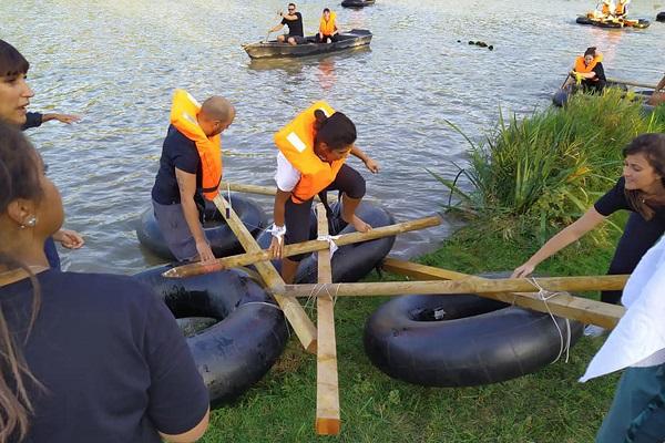 activité team building construction radeau plage normandie - journee de cohesion a la mer Deauville trouville